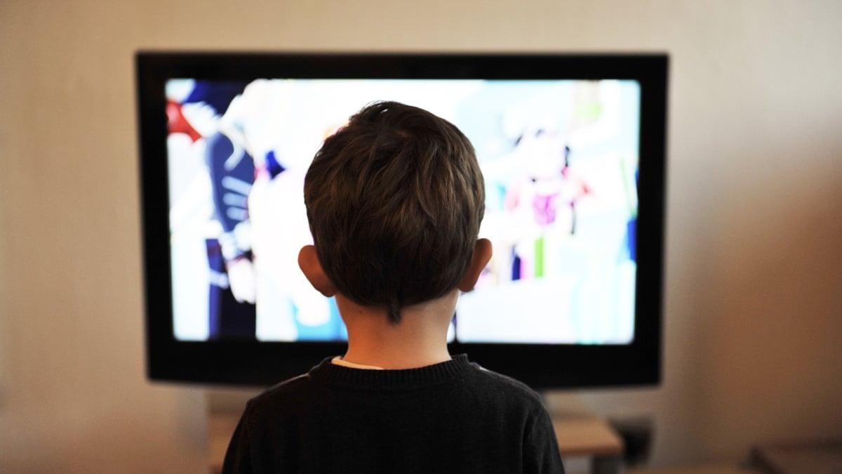 oglądanie telewizji przez dziecko