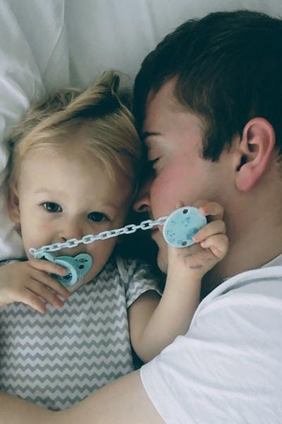 wspólne spanie wpływa narozwój dziecka