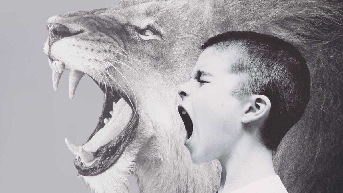 krzyk dziecka w miejscu publicznym